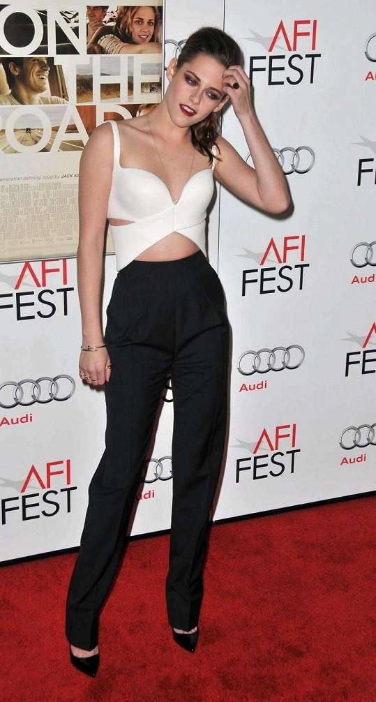 Kristen na akci dorazila bez svého přítele Roberta Pattinsona.