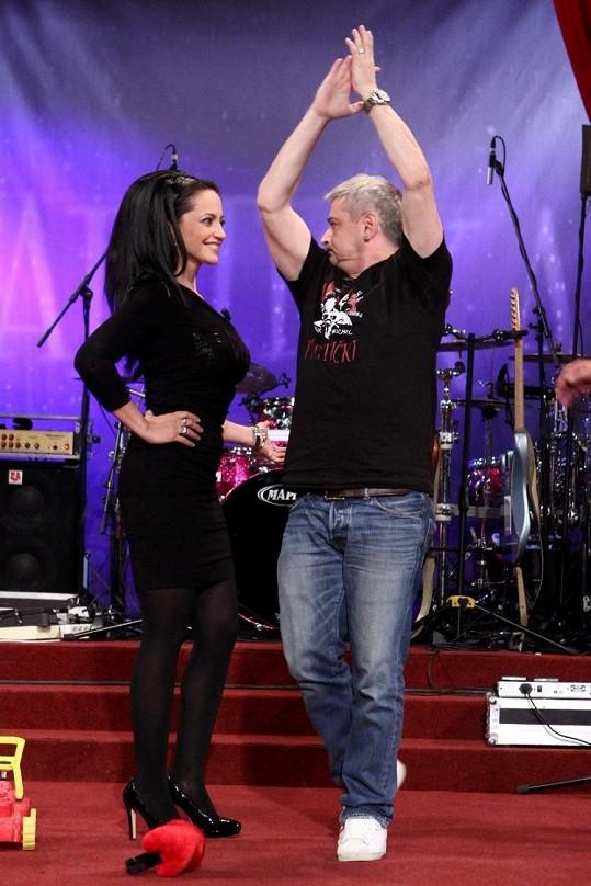 Michalův tanec Lucku pobavil.