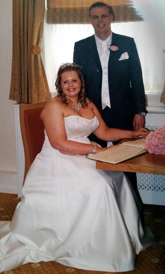 Vicki byla macanda už jako nevěsta.