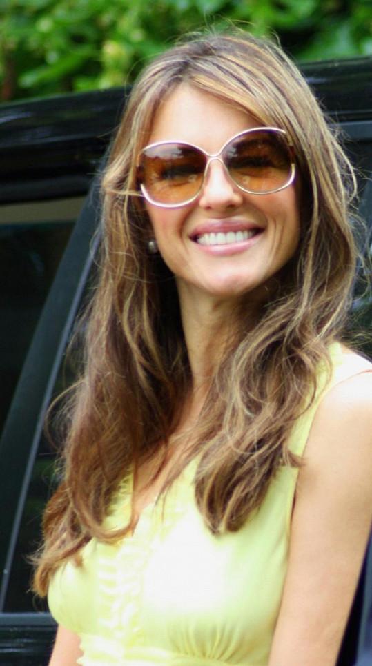 Herečka a modelka Liz Hurley.