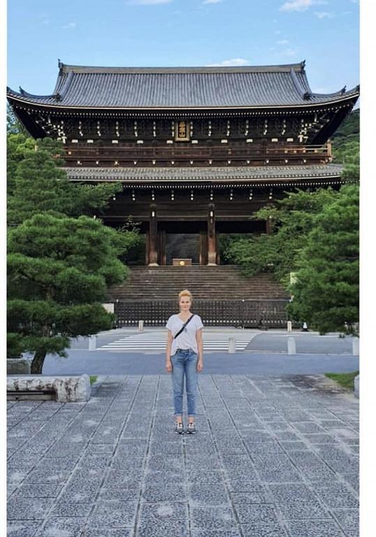 Mystické chvilky zažívá v chrámech.
