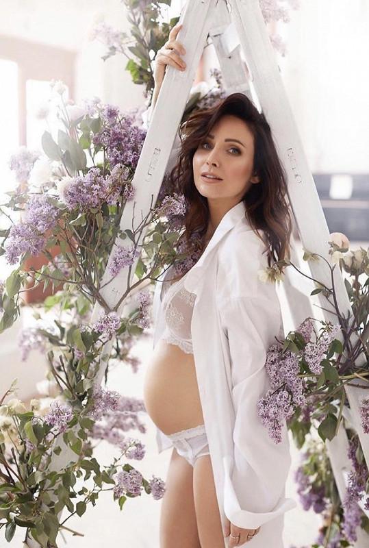 Veronika Arichteva je v 6. měsíci těhotenství.