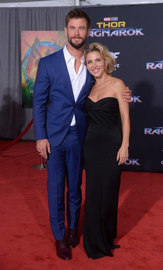 Elsa Pataky a Chris Hemsworth na premiéře filmu Thor: Ragnarok
