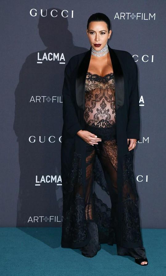Kim se nejspíš zapomněla obléknout...