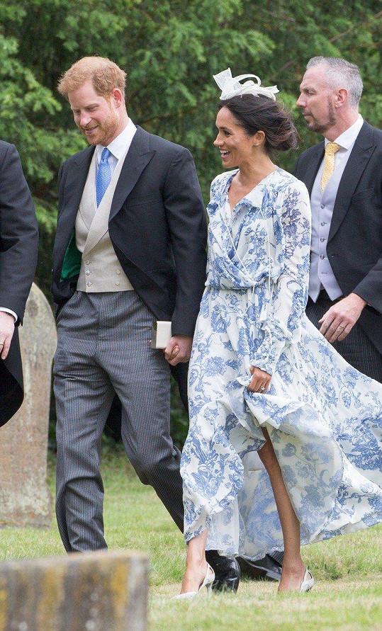 Meghan s manželem na svatbě Harryho sestřenky Celie