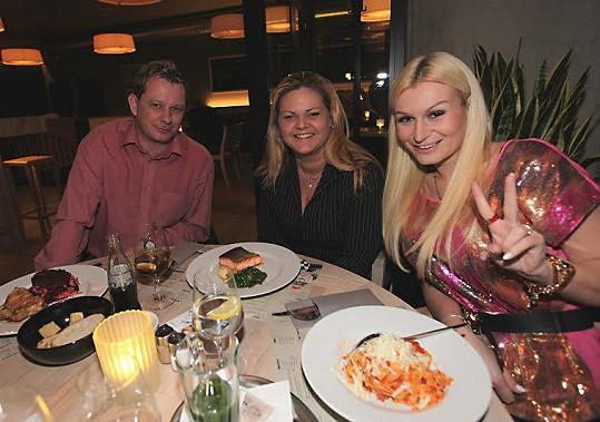 Na Valentýna byla Eva na večeři se svými fanoušky.