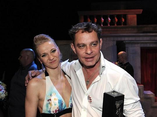 Marian závidí Filipovi Renčovi (na snímku s choreografkou Petrou) jeho entuziasmus při balení holek.