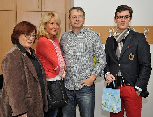 Svobodová s partnerem v motolské nemocnici s manželkou a synem Jana Fischera.