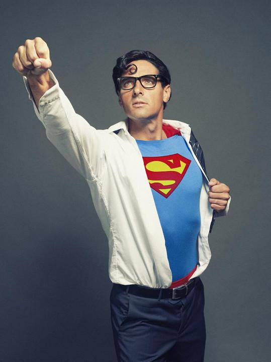 V Supermana se převtělil Roman Šebrle.