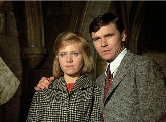 S Jaroslavou Obermaierovou v seriálu Byl jednou jeden dům (1974)