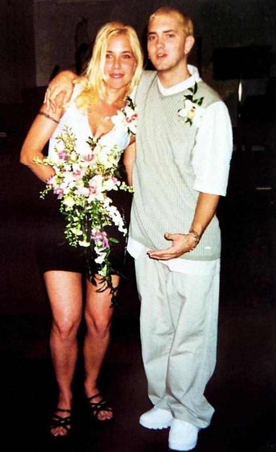 Za rappera se dvakrát provdala a měli velmi turbulentní vztah.