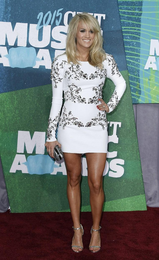 Carrie Underwood překvapila dokonalou postavou.