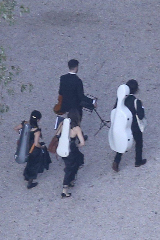 K poslechu hrálo mimo jiné smyčcové kvarteto.
