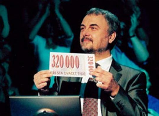 Takhle před deseti lety Čech rozdával na Nově milióny.