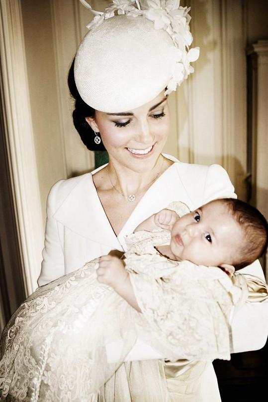 Kate s dcerkou Charlotte, již porodila počátkem května