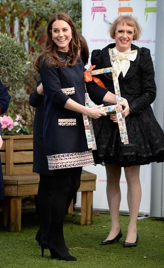Kate dostala od dětí několik uměleckých dárků.