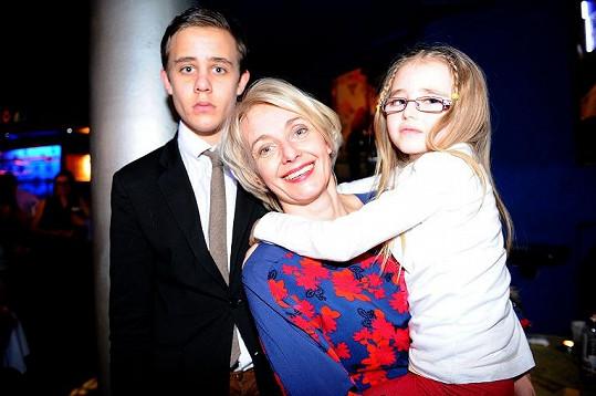 Veronika Žilková vzala do kina i na párty dceru Kordulku a syna Vincenta.