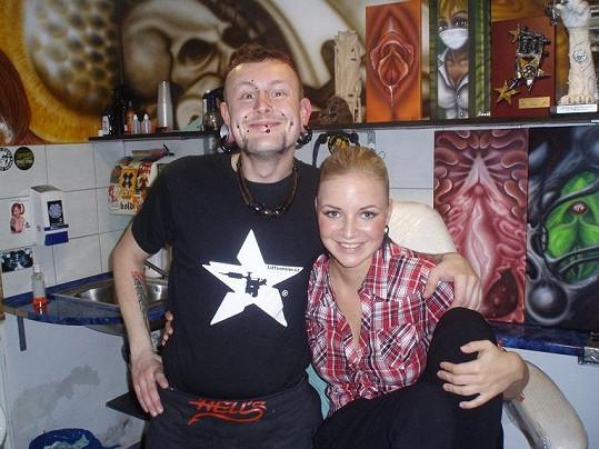 Markéta se svým tatérem Babooem.
