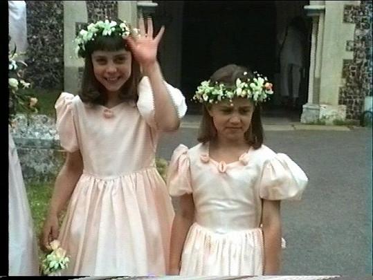 Kate a Pippa na strýcově svatbě v roce 1991