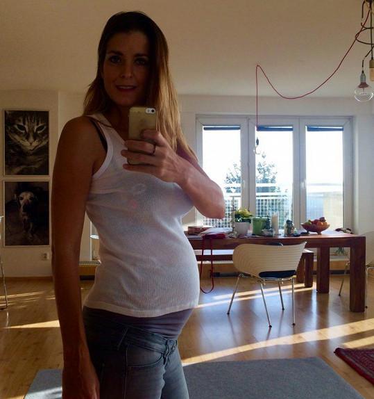 Eva bude dvojnásobnou maminkou.