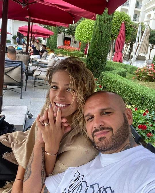 Před měsícem si Jasmina s Rytmusem a synem užívali dovolenou v Turecku.