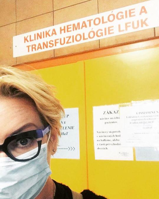 Producentka Wanda Adamík Hrycová si vyzvedla tatínka v nemocnici.