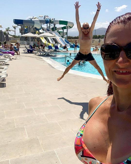 Tomáš Trapl s přítelkyní na Krétě