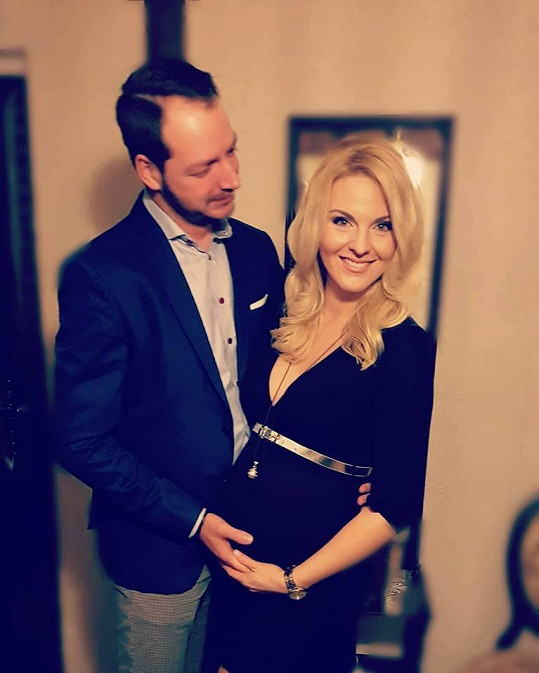 Výměna nastala kvůli těhotenství Petry Peterové.