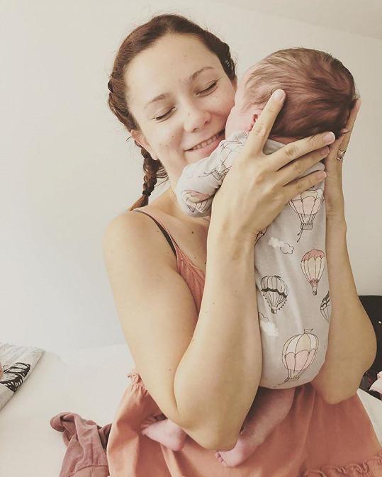 Radost jí dělá dcera Amélie.