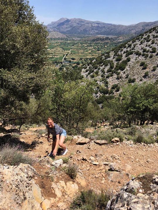 Míša si v Řecku dává do těla.