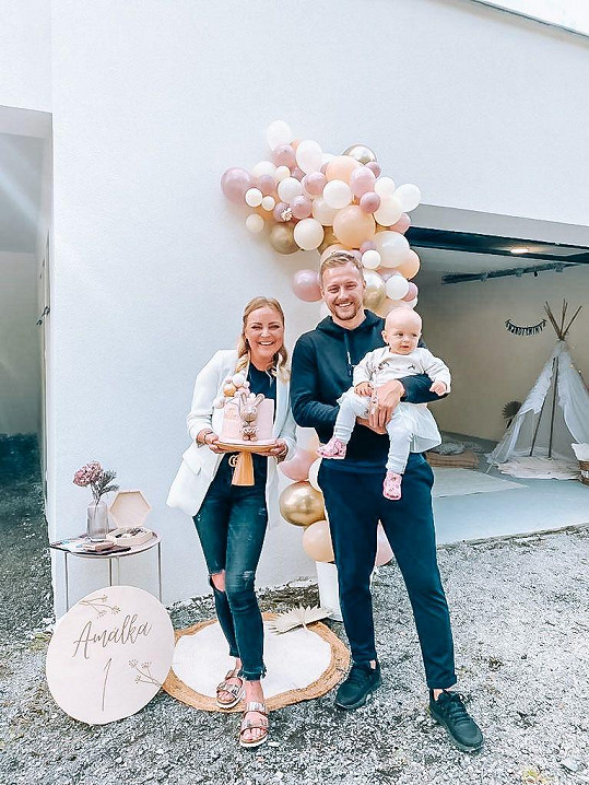 Markéta se snoubencem Rendou a dcerou