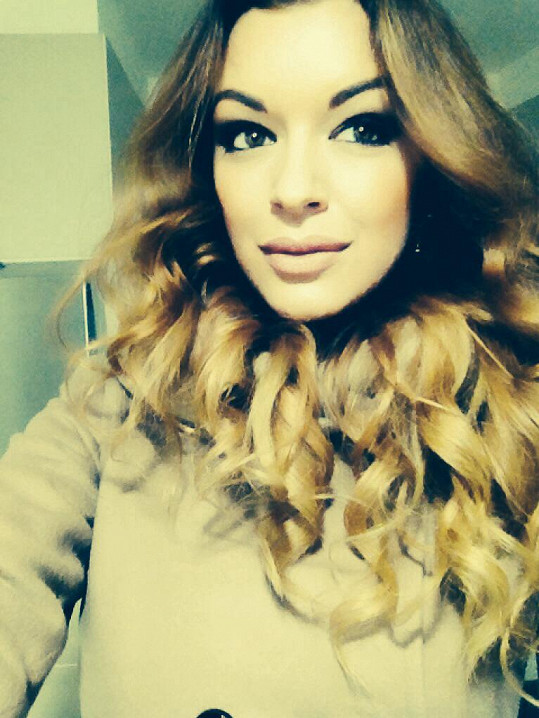 Jitka Válková si nechala výrazně zesvětlit vlasy.