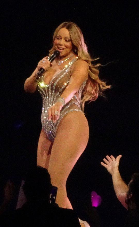 Mariah Carey je macanda.