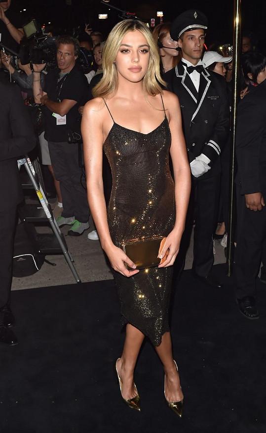 Sistine Stallone předvedla postavu v sexy modelu.