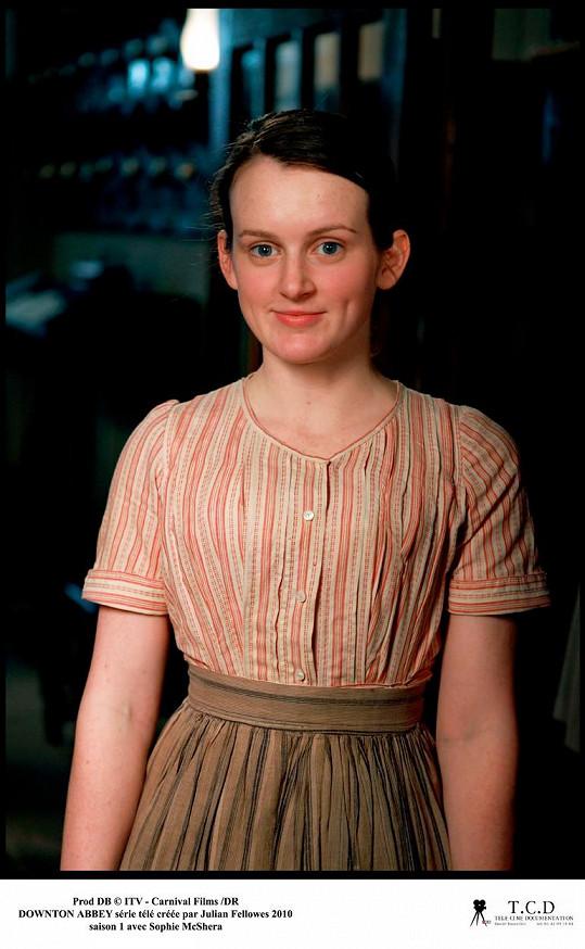 Jako naivní a stydlivá kuchtička se v seriálu objevovala od první série.
