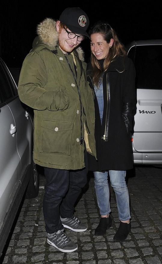 S manželkou Cherry mají dceru Lyru Antarcticu.