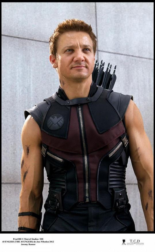 Renner jako Hawkeye v Avengers