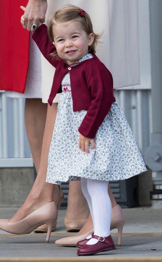 Princezna se na fotografy usmívala už v roce a půl.