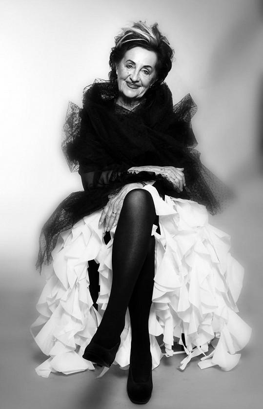 Nina Divíšková fotografa Kámena zaujala svou bezprostředností, vitalitou a skvělým smyslem pro humor.