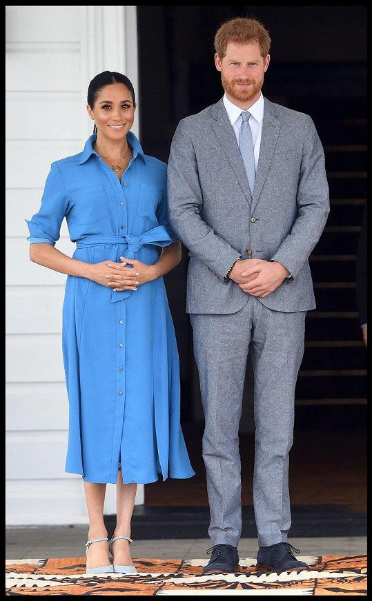 Vévodkyně Meghan doprovází manžela Harryho na návštěvě států Commonwealthu.
