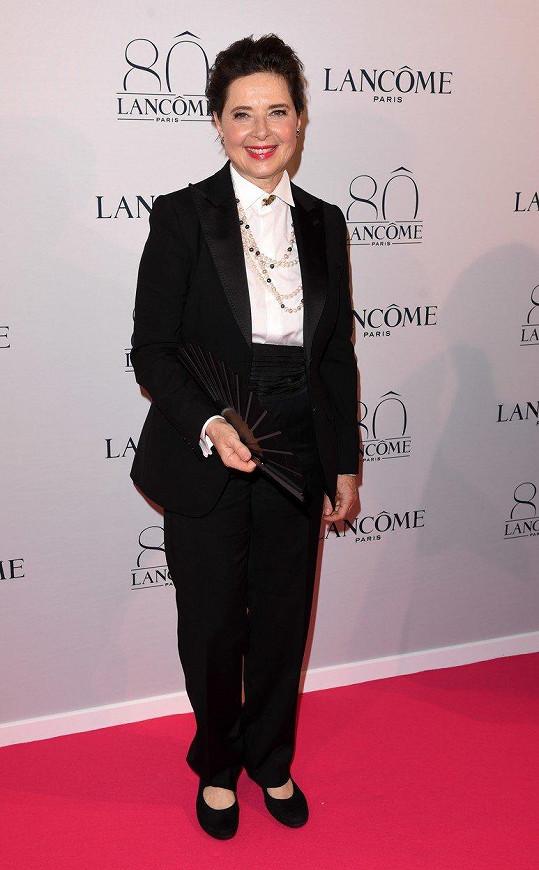 Isabella Rossellini se v roce 2016 vrátila ke značce Lancome.
