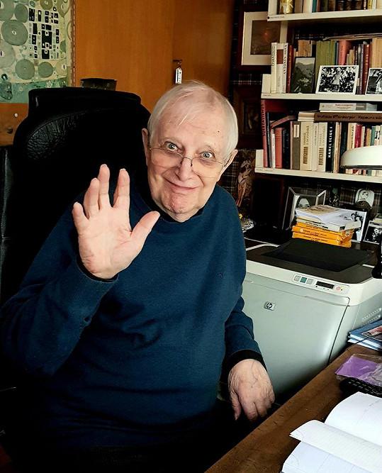 Jiří Suchý už je z nemocnice doma.