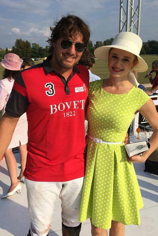 Zuska Velichová s přítelem, který hraje za tým Aviator polo club.