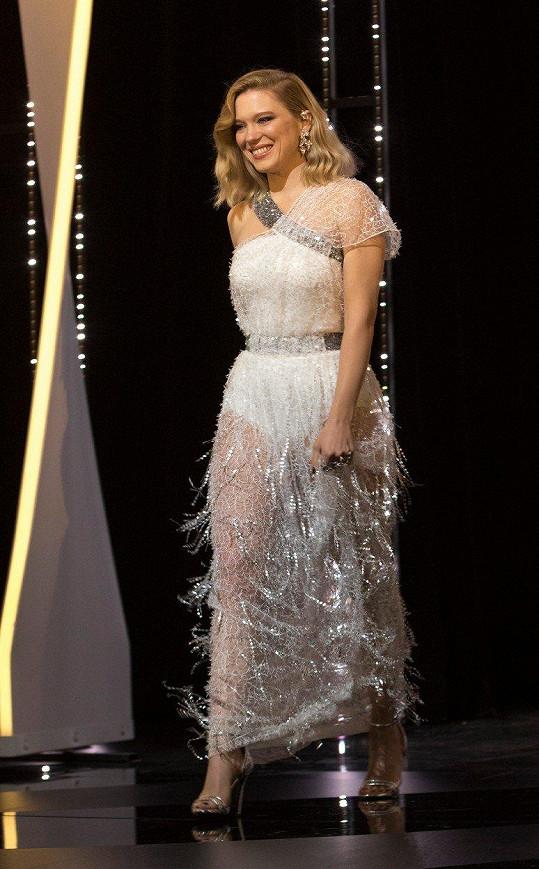 Léa si do Cannes oblékla průsvitné šaty.