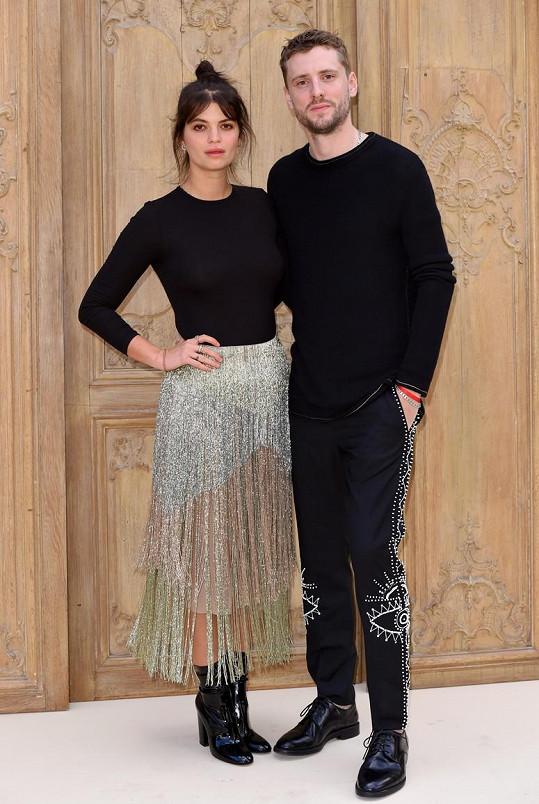 Dcera zpěváka Boba Geldofa Pixie se provdala za muzikanta George Barnetta.
