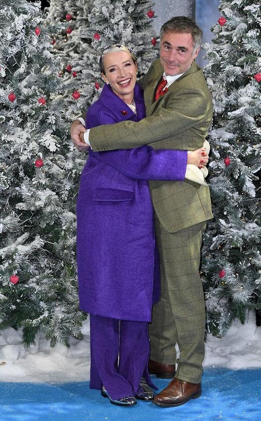 Na londýnské uvedení filmu Last Christmas Thompson doprovodil také manžel Greg Wise.