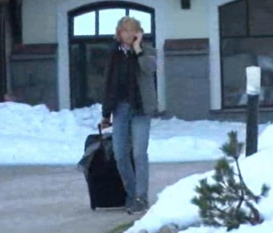 Karel Janeček si sbalil kufr a opustil apartmán, který obýval s Doleželovou.