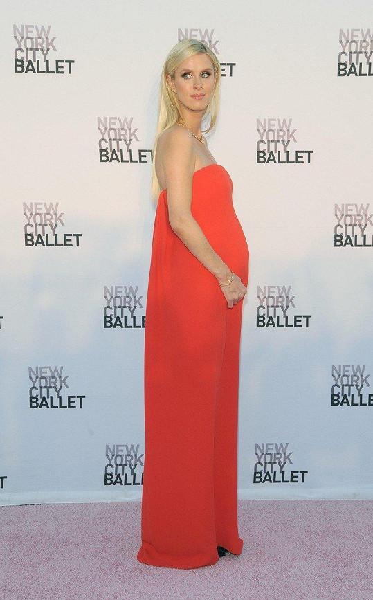 Nicky Hilton bude v lednu dvojnásobnou maminkou.