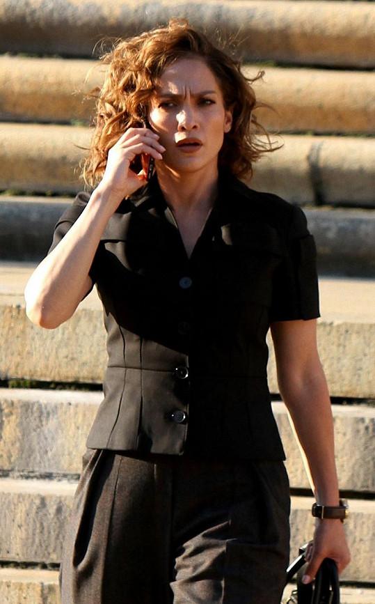 Aktuálně je to seriál Shades of Blue, kde Lopez vystupuje jako Harlee Santos.
