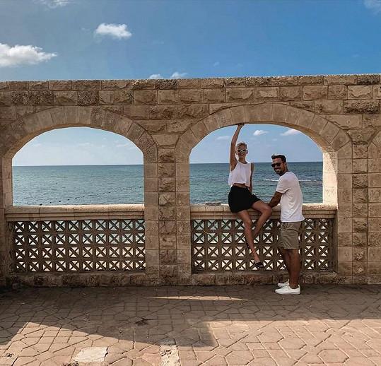 S manželem je v Izraeli.